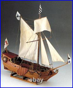 Elegant, brand new wooden model ship by Corel the Yacht D'Oro